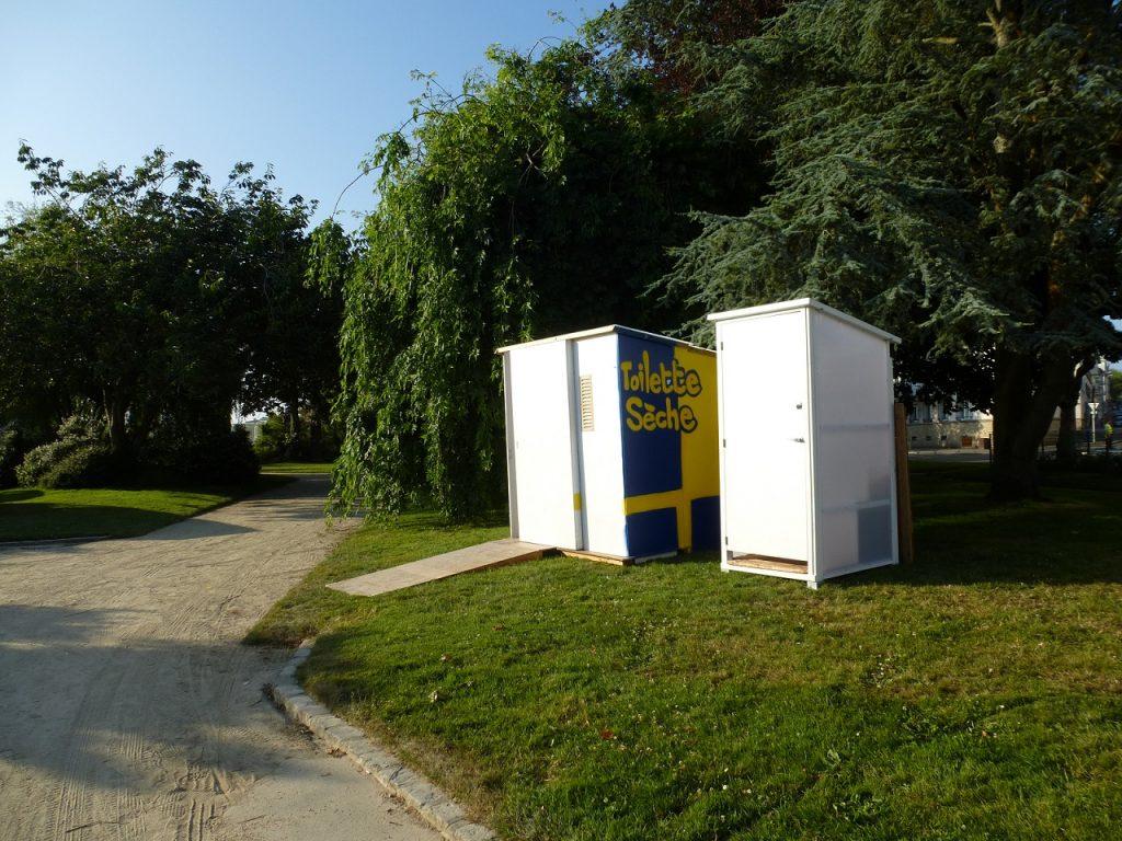 Toilettes sèches RespectÔ - PMR pour personne à mobilité réduite - Autonome mobile